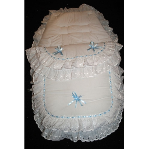 WHITE/BLUE FANCY FOOTMUFF     fm26